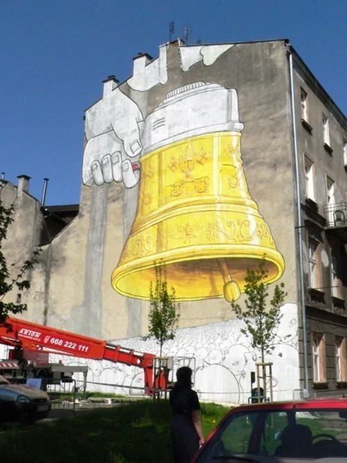 blu-peinture-murale-graffiti-cracovie