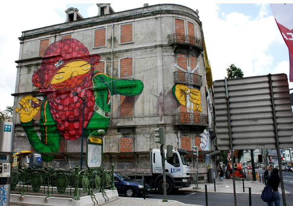 blu-peinture-murale-graffiti-lisbonne