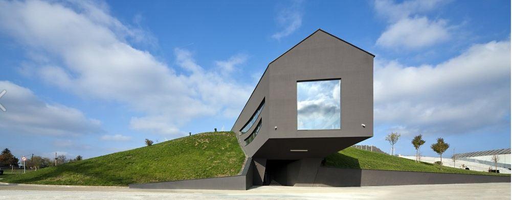 Bodega Somló en Hugría / Ekler Arquitect