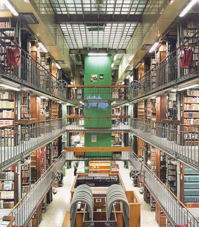 candida_hofer-biblioteca-nationale-de-france