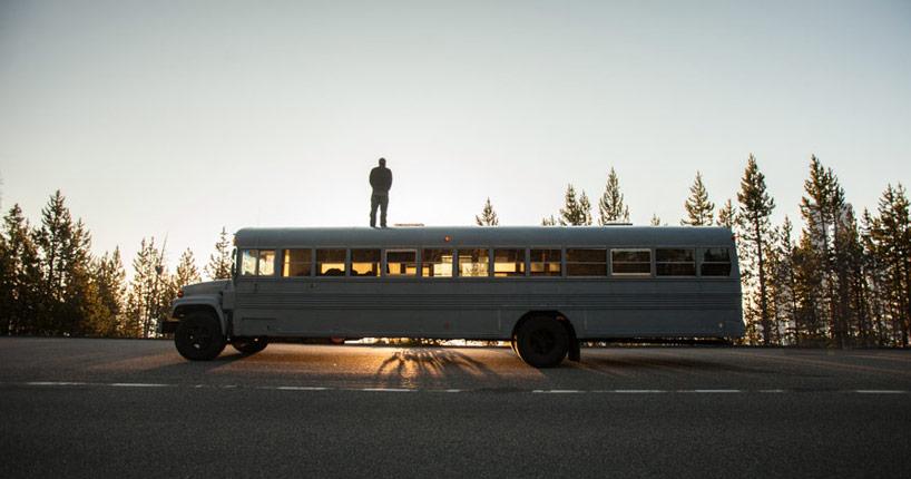 Cómo convertir un autobús en una vivienda móvil