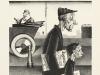 newspaper-carrier_georg_scholz_1923