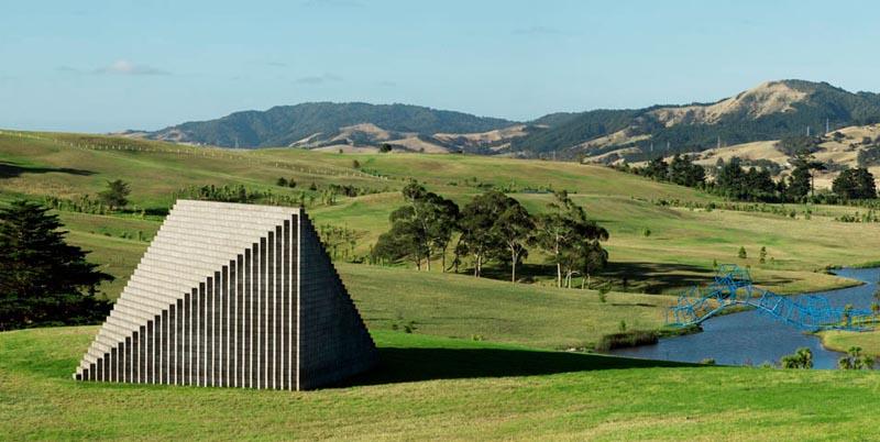 sol-lewitt-pyramid-gibbs-farm-2