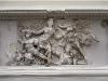 la-diosa-atenea-luchando-contra-la-alcioneo-titan-del-este-friso-del-altar-de-pergamo-180-160-a-c