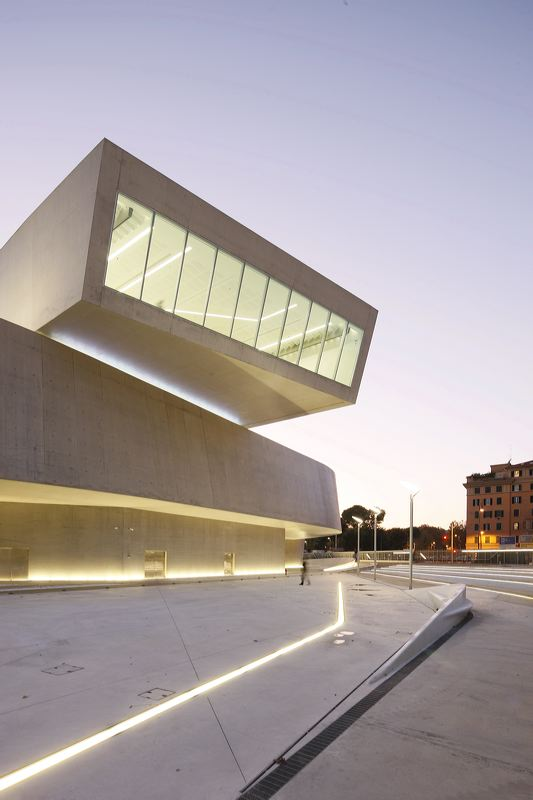 MAXXI-Museo Nacional de Arte del Siglo XXI, Roma, Italia_Zaha_Hadid