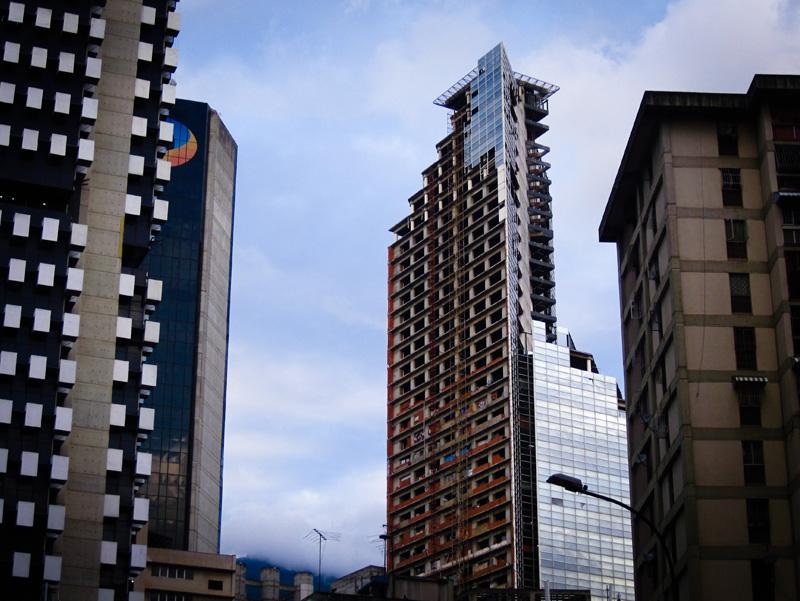 La torre David: un rascacielos okupado