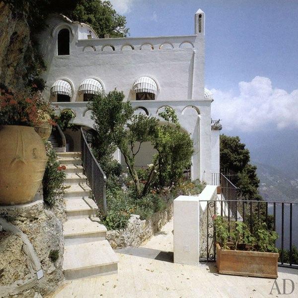 villa-la-rondinaia-ravello-gore-vidal-02-terrace