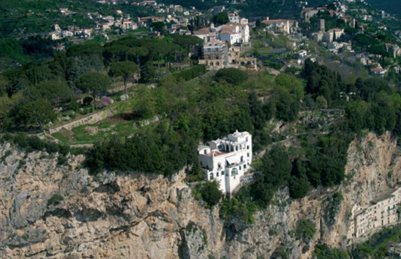 villa-la-rondinaia-ravello-vista-aerea