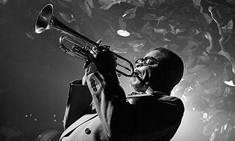 Dizzy-Gillespie_autor_Herman_Leonard_libro_Jazz