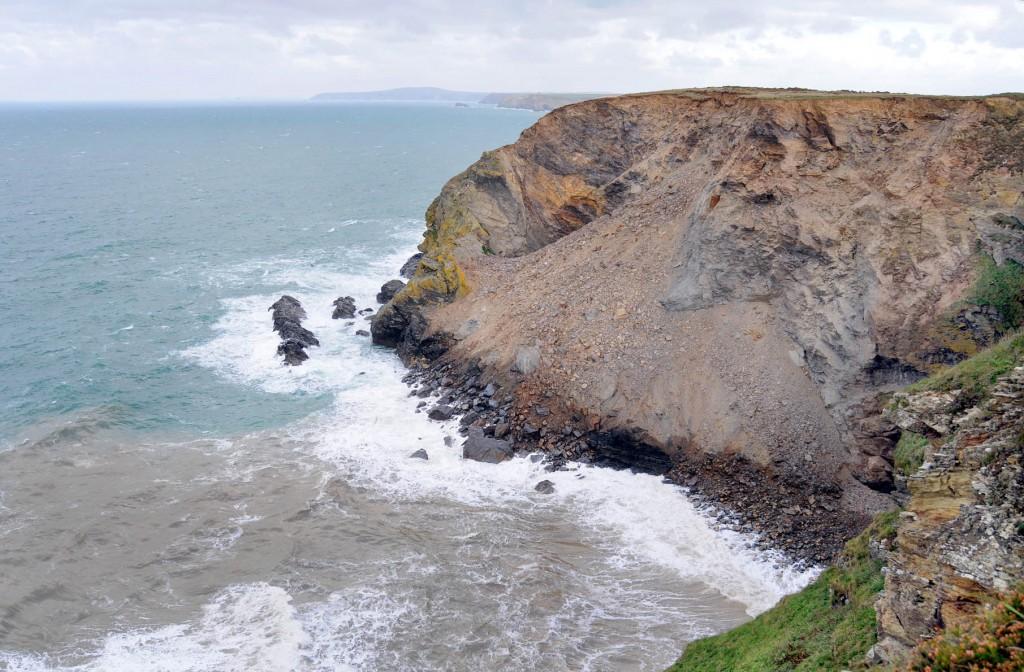 Video del Colapso de un acantilado en Cornualles
