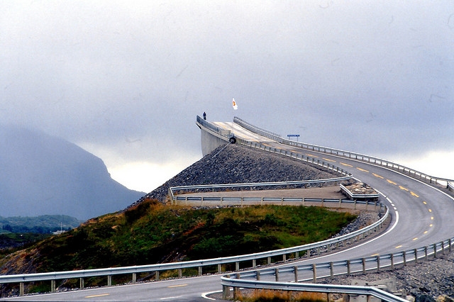 Storseisundet-Bridge-in-Norway-1