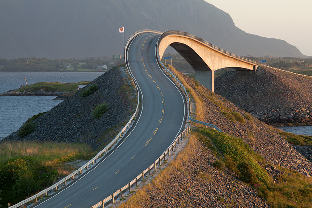Storseisundet-Bridge-in-Norway-2