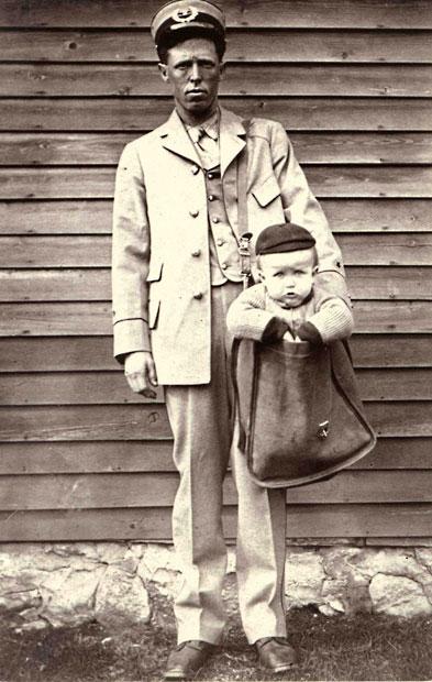 Niño enviado como paquete postal en Estados Unidos