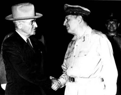 Truman_MacArthur 1