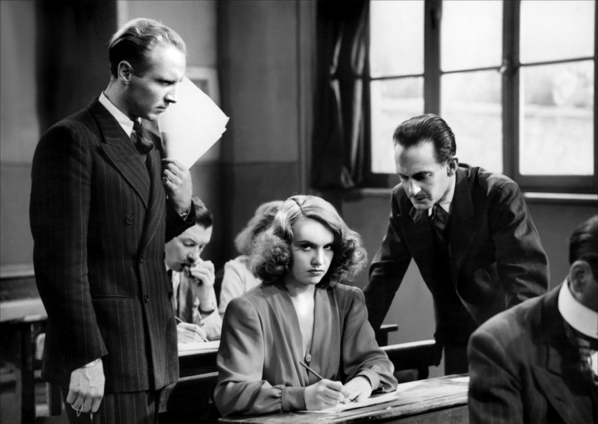 Ginette-Leclerc-y-Pierre-Fresnay-in Le Corbeau-directed-by-Henri-Georges-Clouzot-1943
