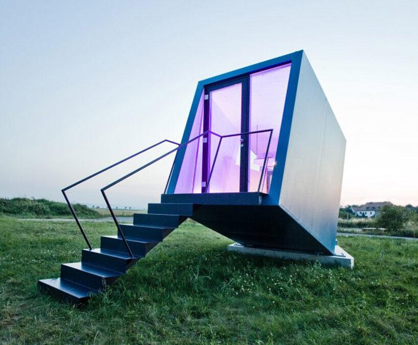 Hypercubus: habitación móvil de hotel o minicasa / Studio WG3