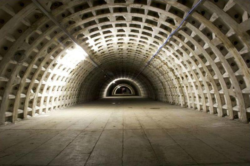 Huerto hidropónico en un refugio subterráneo de la II Guerra Mundial